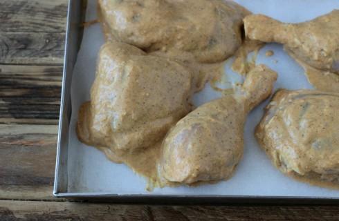 La marinatura del pollo tandoori