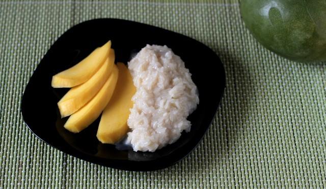Il mango con riso al cocco