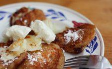 La ricetta delle frittelle di Carnevale alle mele per il buffet della festa