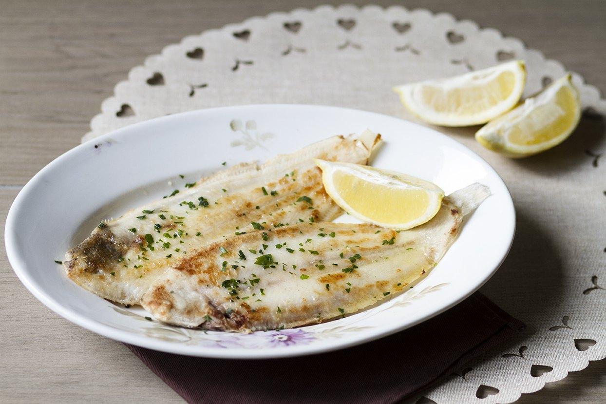 Sogliola alla mugnaia secondo di pesce goloso agrodolce for Cucinare sogliola