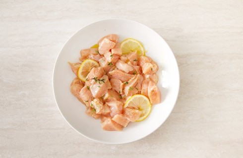 La marinata del pollo al limone