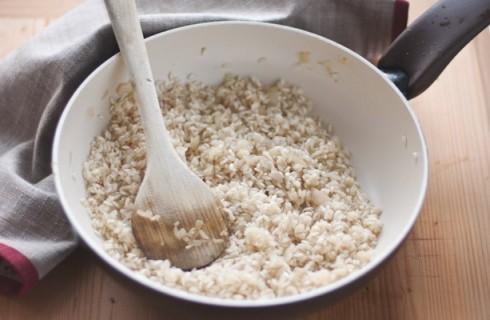 La tostatura del risotto