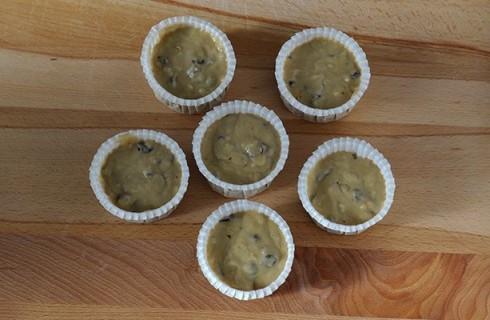 I muffin alla banana negli stampini