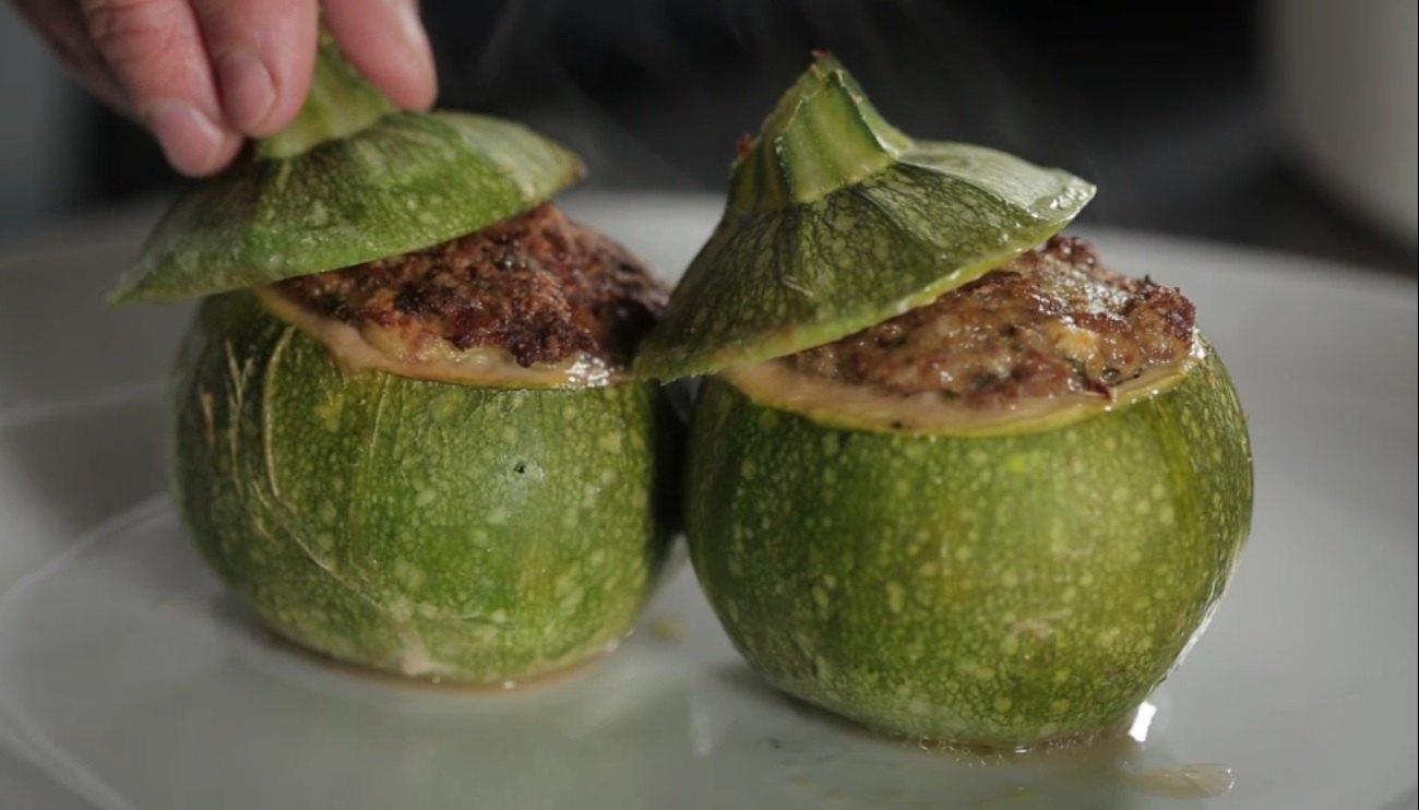 Zucchine ripiene di carne video ricetta agrodolce for Cucinare zucchine tonde