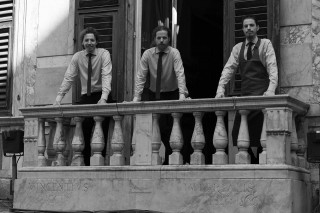 Les Rouges, Genova