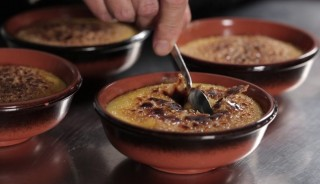 Al cucchiaio: crema catalana