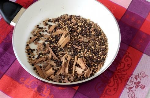 La preparazione del garam masala