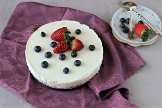 Torta fredda allo yogurt senza forno