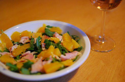 L'insalata di arance e tonno con la ricetta sfiziosa