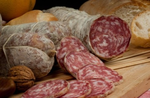 tipe of salted pork meat salame bacon mortadella sausages