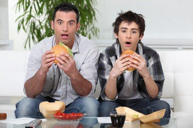 mangiare davanti alla partita
