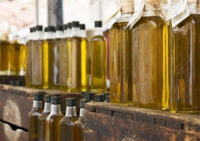 bottiglie di olio