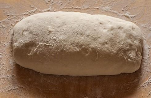 L'impasto del pane rustico