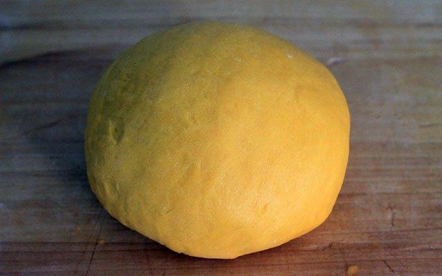 La pasta all'uovo dei ravioli