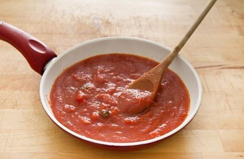La salsa al pomodoro della pasta alla norma