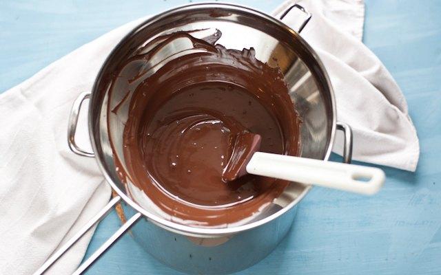 il temperaggio del cioccolato uova di pasqua