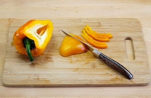 Il peperone per insalata greca