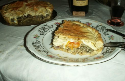 La ricetta della pasqualina ai carciofi, la torta salata sfiziosa