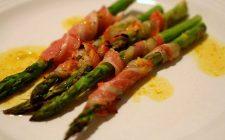 Asparagi con pancetta gratinati la ricetta per un contorno rustico