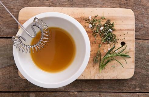 La vinaigrette per l'insalata nizzarda