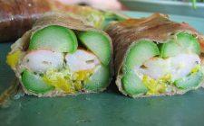 Asparagi e gamberetti, l'antipasto semplice e sfizioso