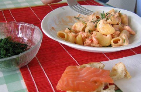 Pasta al salmone con la ricetta facile di Sape