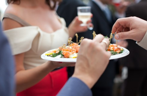 25 regole del galateo per l'aperitivo