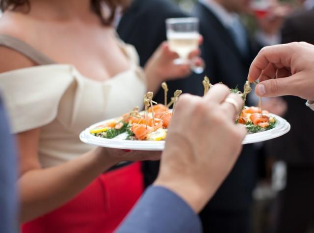 25 regole del galateo per l'aperitivo | Agrodolce