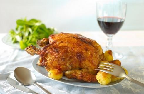 Le regole del galateo per mangiare il pollo