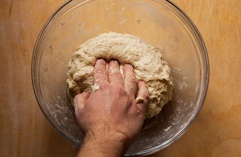 L'impasto del pane in cassetta