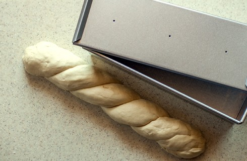 Pane in cassetta intrecciato