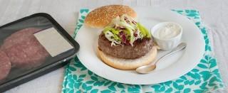 Hamburger con salsa al formaggio