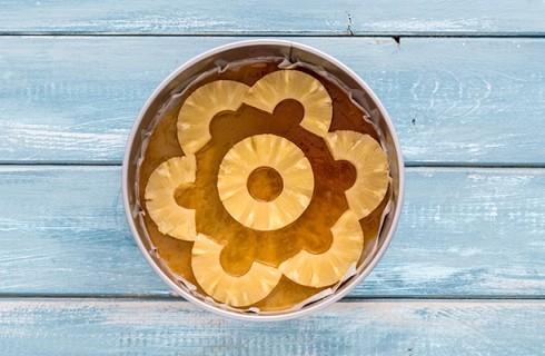 La base della torta all'ananas