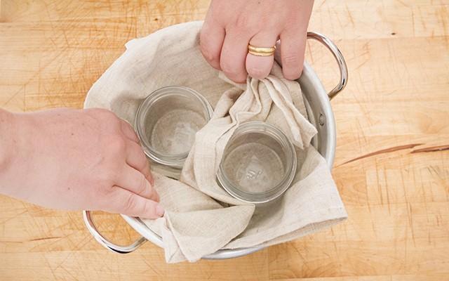 La sterilizzazione dei vasetti