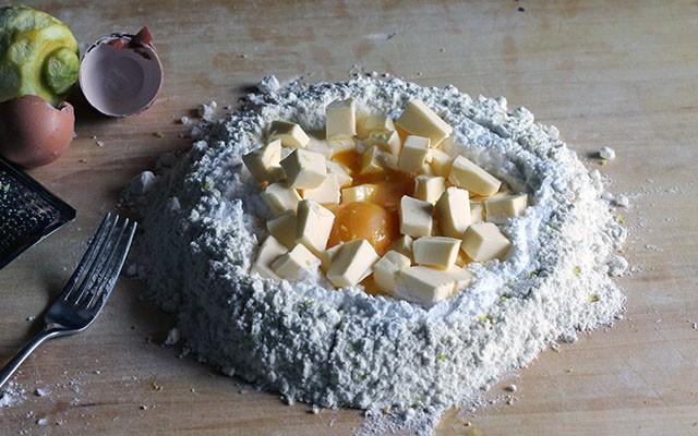 La ricetta illustrata della crostata meringata al limone - Foto 1