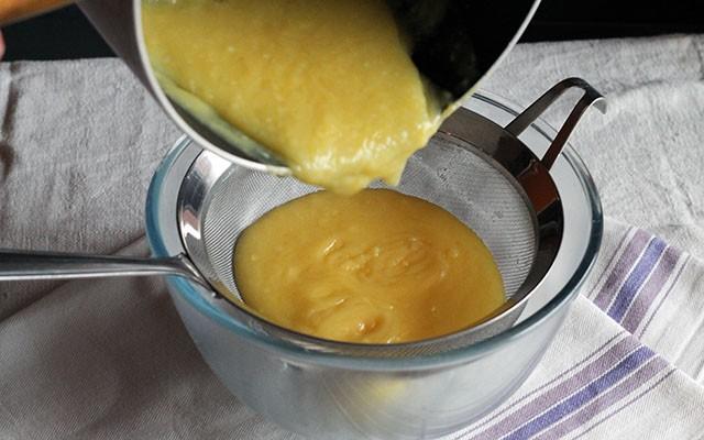 La ricetta illustrata della crostata meringata al limone - Foto 4