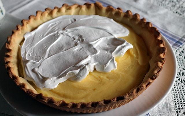 La ricetta illustrata della crostata meringata al limone - Foto 9