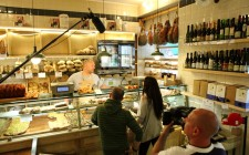 Street food a Roma in 3 botteghe: itinerario gastronomico