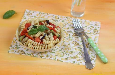 Pasta fredda con verdure grigliate