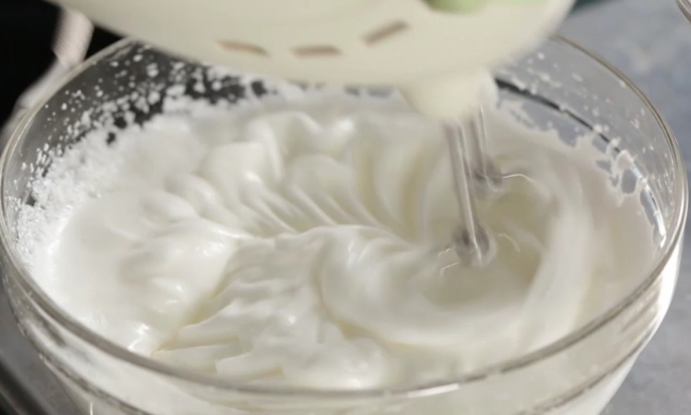 La ricetta illustrata della crostata meringata al limone - Foto 11