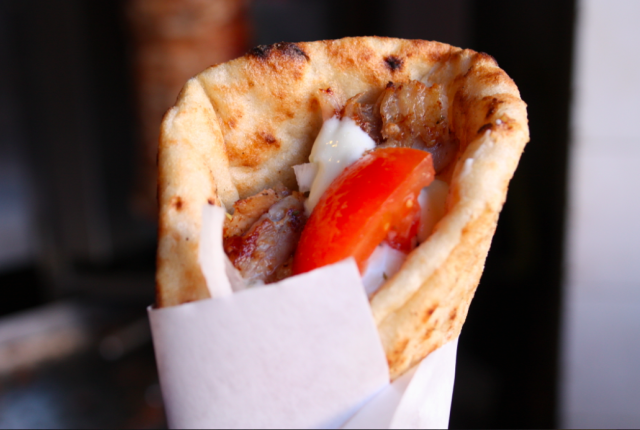 mythos-take-away-greco-milano-gyros-panino