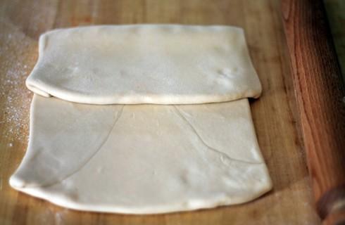 La piega a tre della pasta sfoglia