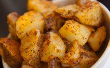 Le patate al forno con mollica, la ricetta veloce