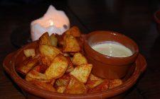 Le patate alla paprika al forno, la ricetta del contorno speziato