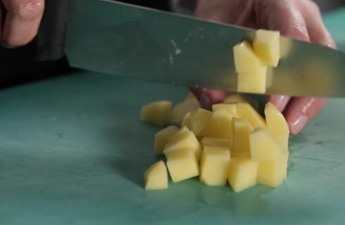 patate_a_dadini_per_la_frittata_di_patate