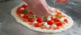 La Pinsa: cos'è e dove mangiarla a Roma