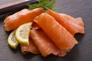 Ritirati lotti di salmone norvegese per listeria