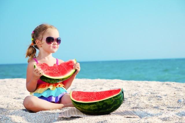 bambini con anguria