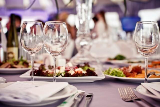 cena per gli ospiti lontani