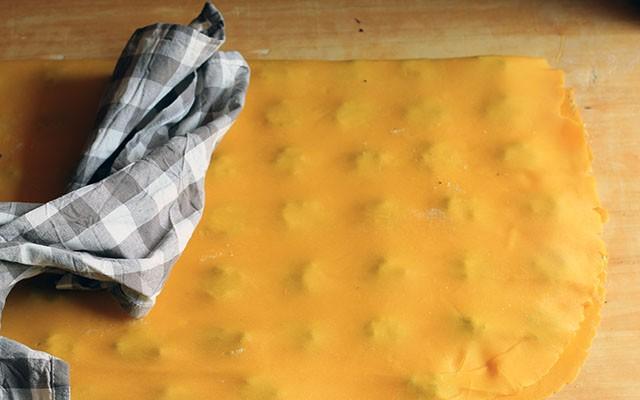 Come fare i ravioli: la ricetta step by step - Foto 12